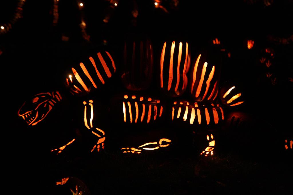 rfierce dinosaur jack-o-lantern