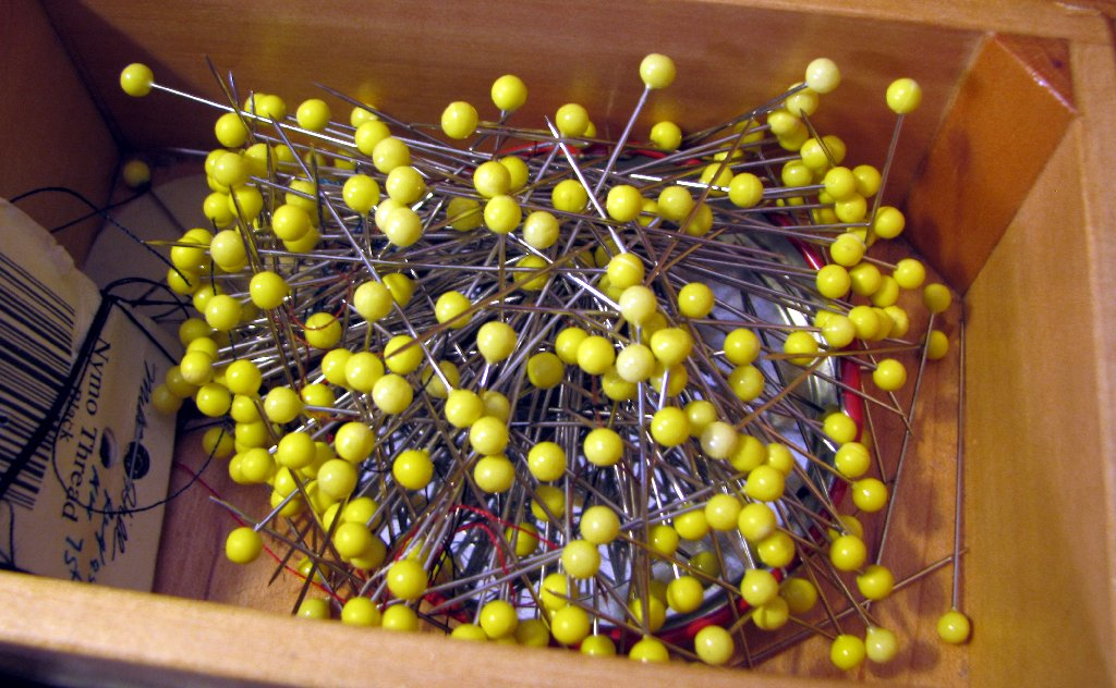 pins in a magnetic pin cusihion